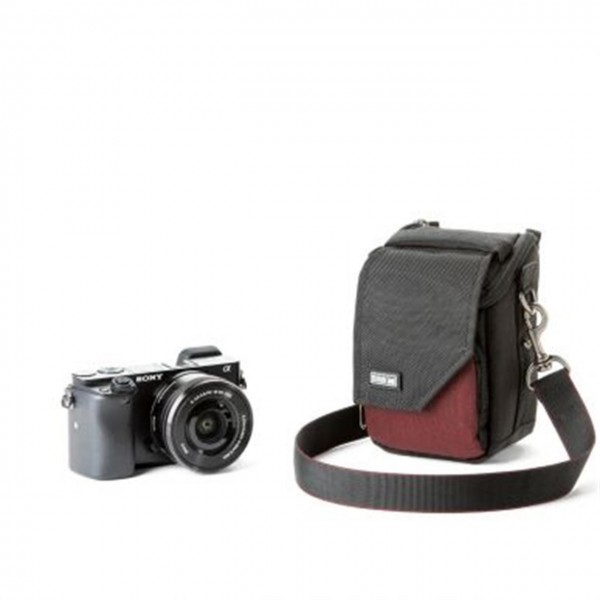 Think Tank Mirrorless Mover 5 - deep red